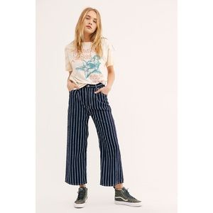 LEVI'S Ribcage Pleated Crop Striped Jeans